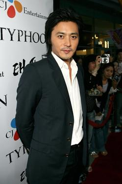 Jang Dong-gun at the premiere of &quot;Typhoon.&quot;